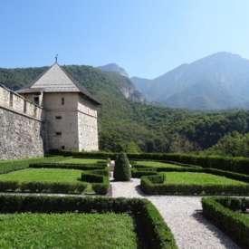 Chiese – castelli – forti - musei - FI